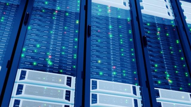 arbetande servrar i moderna datacenter. komplexa beräkningar. cloud computing datalagring. loopas 3d-animering. - server room bildbanksvideor och videomaterial från bakom kulisserna