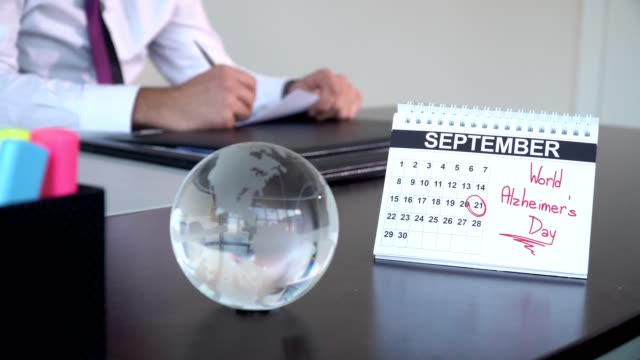 internationella alzheimerdagen - speciella dagar - calendar workout bildbanksvideor och videomaterial från bakom kulisserna