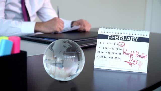 världsdagen för balett - speciella dag - calendar workout bildbanksvideor och videomaterial från bakom kulisserna