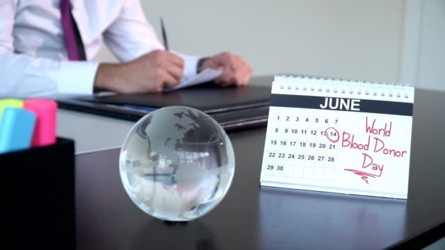 internationella blodgivardagen - speciella dag - calendar workout bildbanksvideor och videomaterial från bakom kulisserna