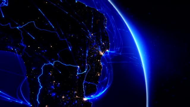 vídeos de stock, filmes e b-roll de conexões do mundo. aéreo, marítimo e terrestre rotas/país das fronteiras. américa do sul. - brazil map