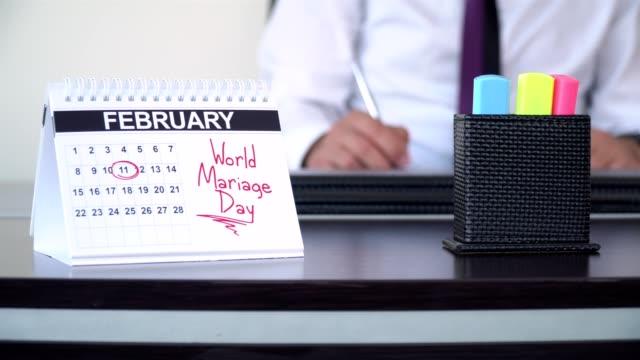 mariage världsdagen - speciella dagar - calendar workout bildbanksvideor och videomaterial från bakom kulisserna