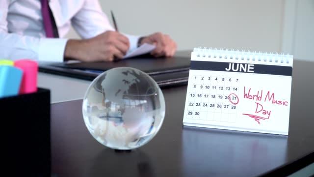 world music day - speciella dagar - calendar workout bildbanksvideor och videomaterial från bakom kulisserna
