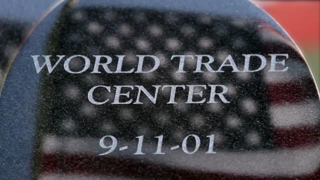 world trade center nine eleven memorial hd - minnesmärke bildbanksvideor och videomaterial från bakom kulisserna