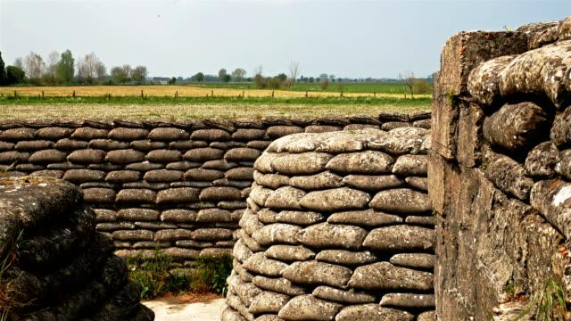 vidéos et rushes de la première guerre mondiale sur le front occidental: le système de fosse et de réservoir restant - première guerre mondiale