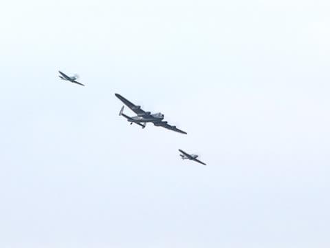 vidéos et rushes de monde d'un avion militaire/avions-bombardier lancaster - première guerre mondiale