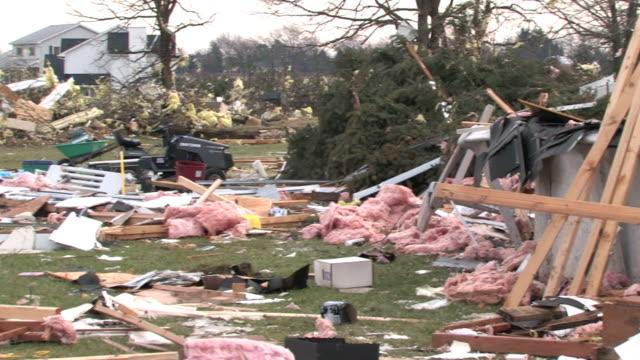 vídeos y material grabado en eventos de stock de escombros ocasionados con fuego 2 - tornado