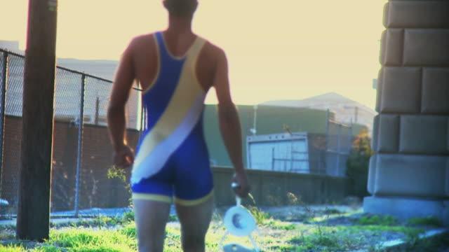 力士のウォーキングのサンセット#2 ビデオ