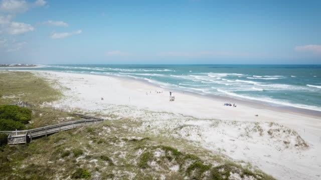 wrightsville beach, nc, usa - oceano atlantico video stock e b–roll