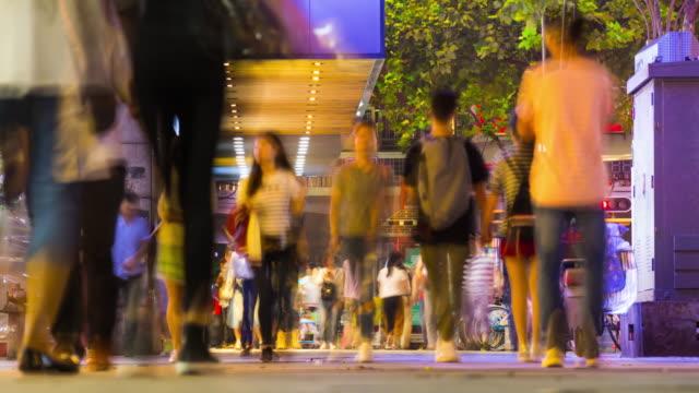 vídeos y material grabado en eventos de stock de ciudad de wuhan nocturna iluminada panorama concurrida calle comercial 4 tiempo k caer china - wuhan