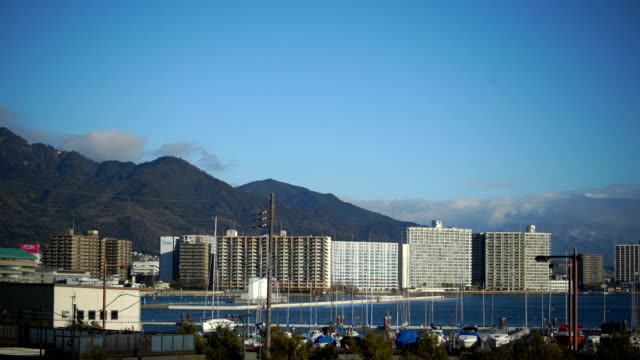 琵琶湖でヨット ・ ハーバー - 里山点の映像素材/bロール
