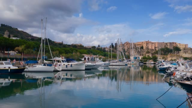 yacht sea port of tropea city in south italy. porto di tropea timelapse - video di tropea video stock e b–roll