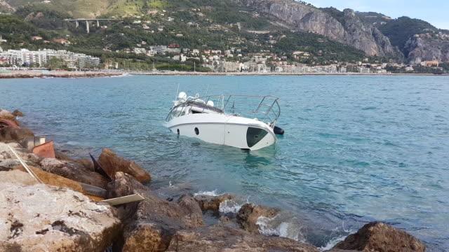 yacht semi sunk - kapsejsa bildbanksvideor och videomaterial från bakom kulisserna