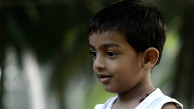 4 years boy drinking water - tap water стоковые видео и кадры b-roll