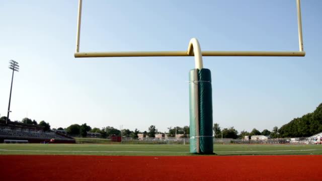 żółty goalpost - football filmów i materiałów b-roll