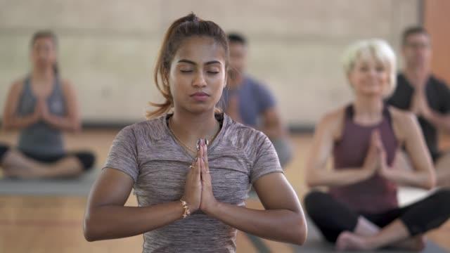 Video Yoga Class Prayer Pose