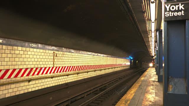 york street tunnelbanestation - billboard train station bildbanksvideor och videomaterial från bakom kulisserna