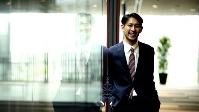 若いビジネス - ビジネスマン 日本人点の映像素材/bロール