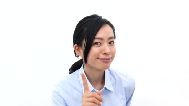 若いビジネス女性 - 指差す 女性点の映像素材/bロール