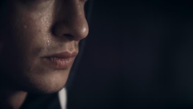 ung utmattad idrottsman - svett bildbanksvideor och videomaterial från bakom kulisserna