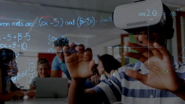ung man bär en virtuell verklighet headset - moods vector boy bildbanksvideor och videomaterial från bakom kulisserna