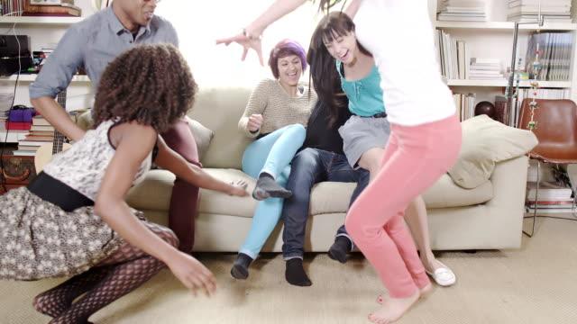 Jóvenes evento social - vídeo
