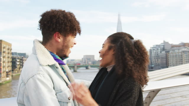 Young Tourist Couple Visiting London In Winter video