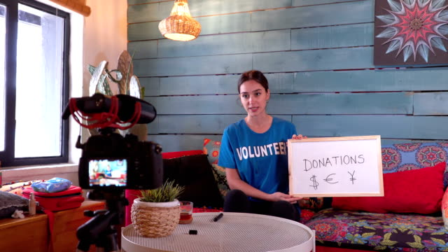 Young Volunteer joins donation campaign when recording daily vlog