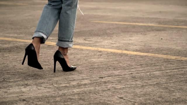 young woman walking high heel - high heels stock videos & royalty-free footage