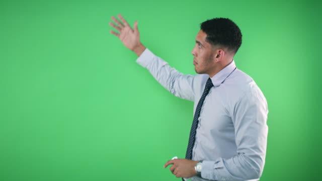 vídeos de stock e filmes b-roll de your weather forecast - weatherman