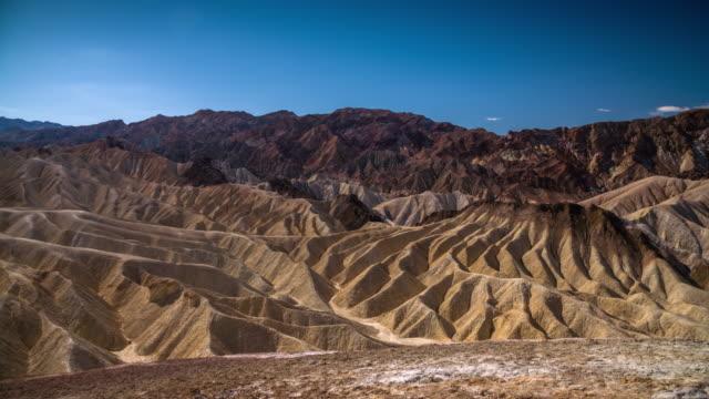 vídeos de stock e filmes b-roll de zabriskie point, death valley national park, usa - parque nacional do vale da morte