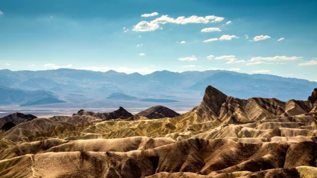 vídeos de stock e filmes b-roll de time lapse: zabriskie point vale da morte - parque nacional do vale da morte
