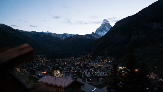 stockvideo's en b-roll-footage met zermatt, zwitserland - wallis