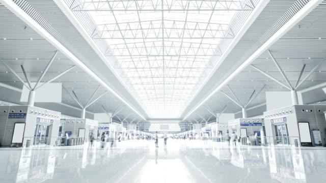 zheng zhou demiryolu i̇stasyonu bekleme odası - i̇stasyon stok videoları ve detay görüntü çekimi